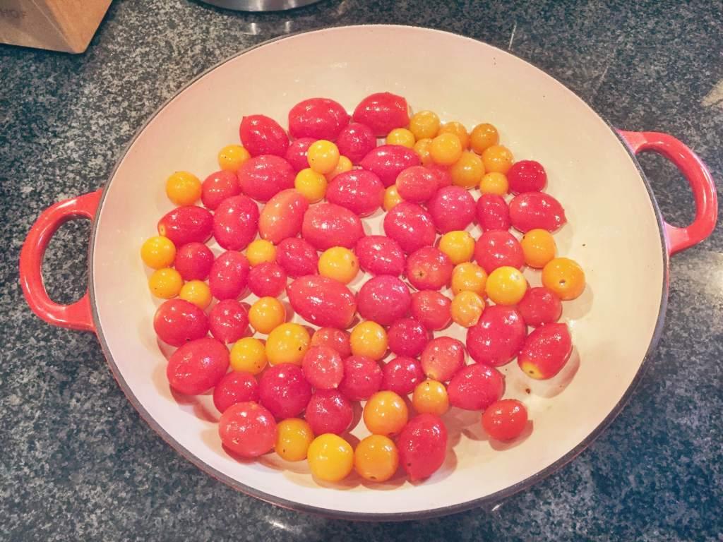 CherryTomatoesReadyToRoast